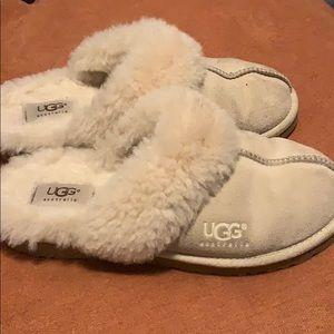 Cream Slightly Used UGG slippers